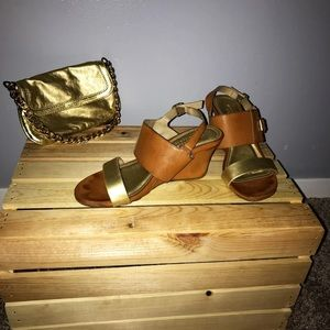 Kenneth Cole Tan and Gold Wedges